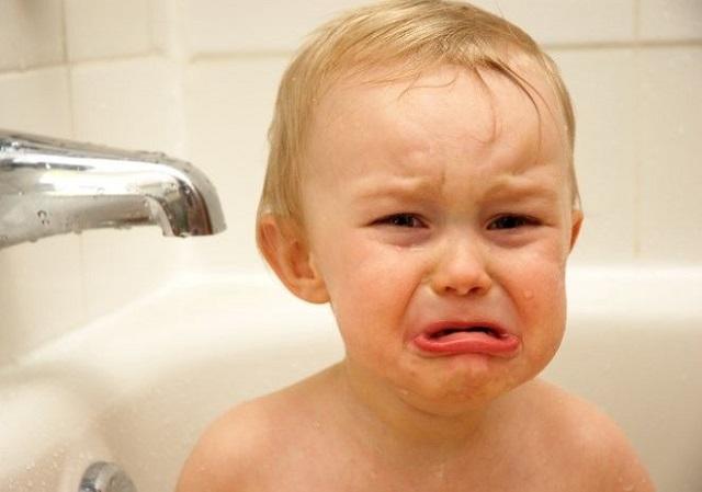 Triệu chứng nứt kẽ hậu môn ở trẻ