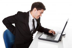 Bệnh trĩ là căn bệnh phổ biến của dân văn phòng -1