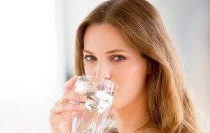 Uống nước ít làm tăng nguy cơ mắc bệnh trĩ-2