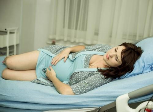 Nên điều trị bệnh trĩ trong hay sau khi sinh? -1