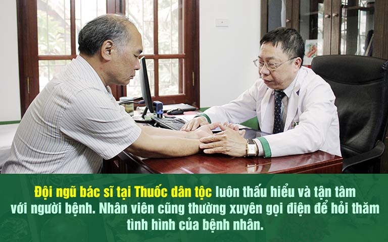 Nghệ sĩ Bình Xuyên đến khám và điều trị bệnh trĩ tại Trung tâm Thuốc dân tộc